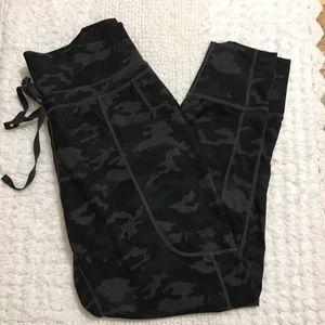 Fabletics camo pattern lightweight joggers